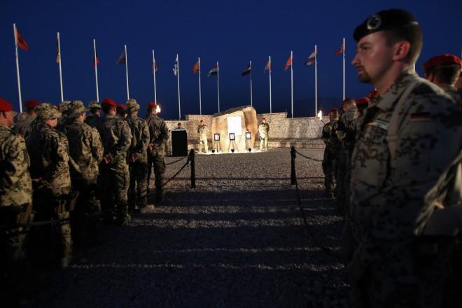 GI Wieker besucht das deutsche Einsatzkontingent ISAF